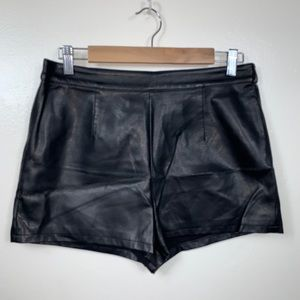 Forever 21 faux leather high rise shorts Large